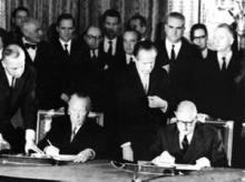 Firma del tratado del Eliseo